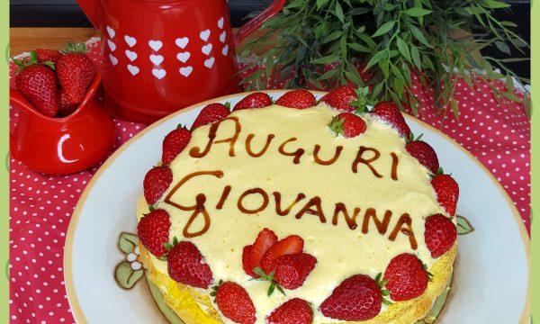 Naked cake con fragole e mascarpone