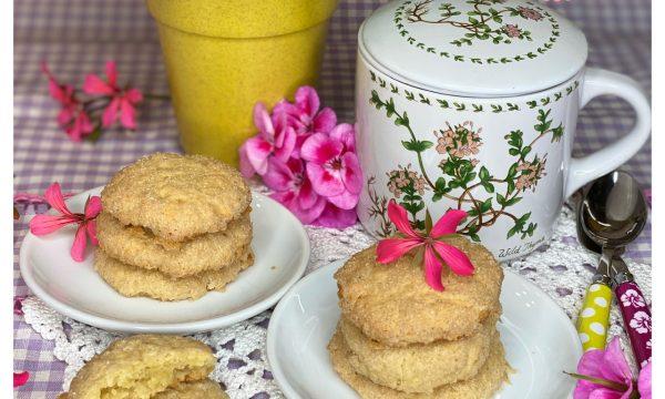 Biscotti morbidi alle mandorle (con esubero lievito madre)