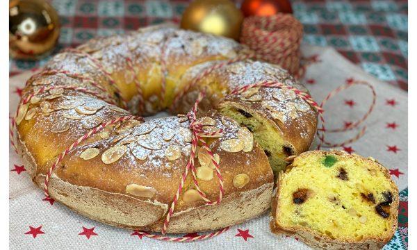 Ghirlanda di pan brioche di Natale