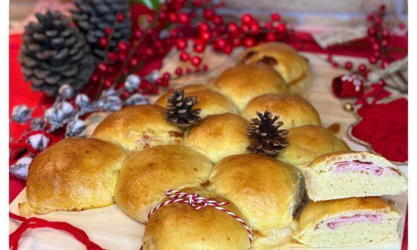 Albero di Natale di pane (con prosciutto e formaggio)