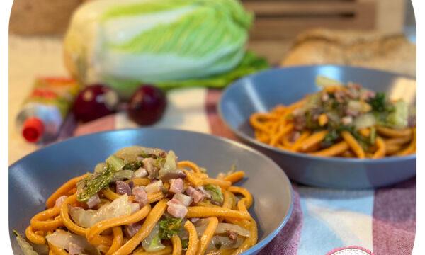 Troccoli rossi con cavolo cinese e pancetta