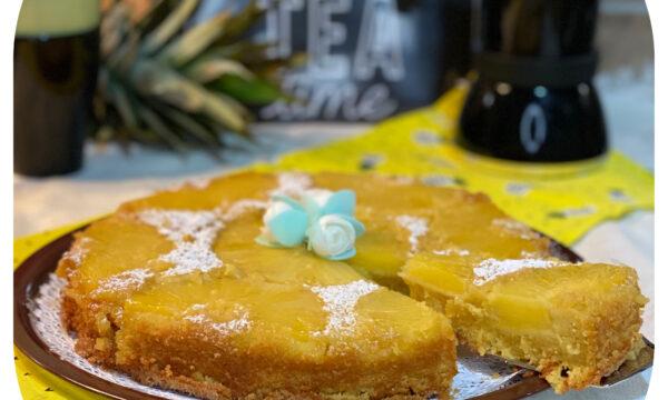 Torta rovesciata all'ananas (con panna)