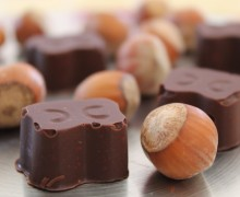 cioccolatini fondenti con nocciole
