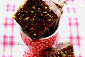 Torta cioccolato e pistacchio senza cottura