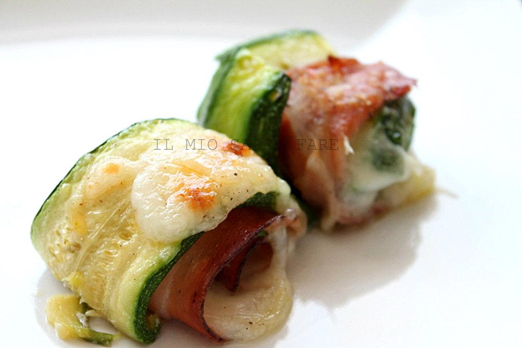 Involtini di zucchine con speck e mozzarella