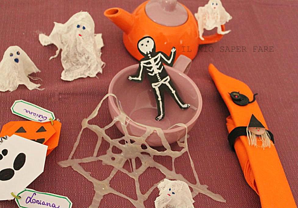 Decorazioni per la tavola di halloween semplicissime da for Decorazioni halloween casa