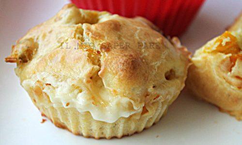 Muffin salati ai peperoni arrostiti e Asiago
