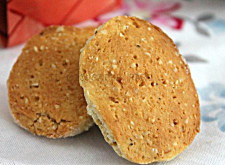 Biscotti con nocciole e mascarpone