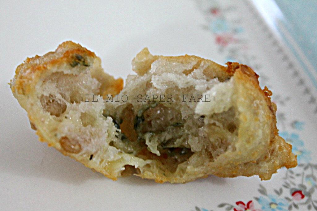 Pasta lievitata per frittelle con noci e gorgonzola il mio saper fare