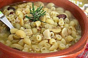 """Zuppa di legumi: la """"Crapiata"""" di Matera"""