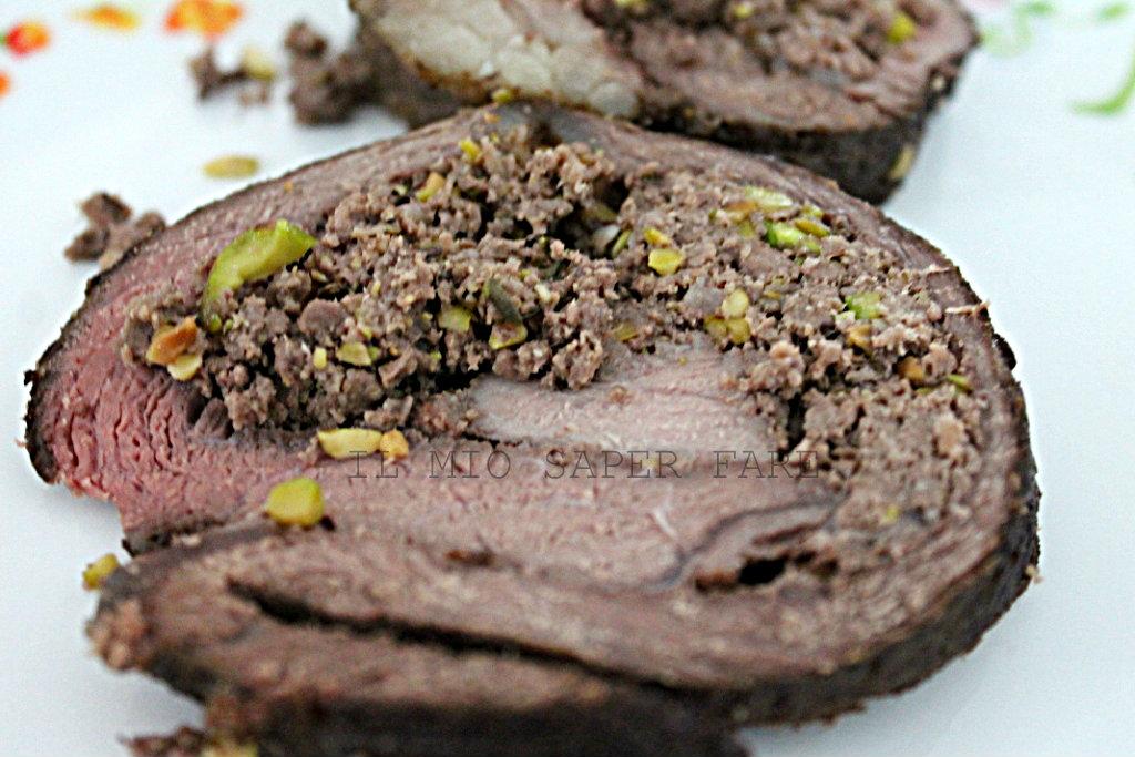 Arrosto farcito ai pistacchi per il pranzo di Pasqua