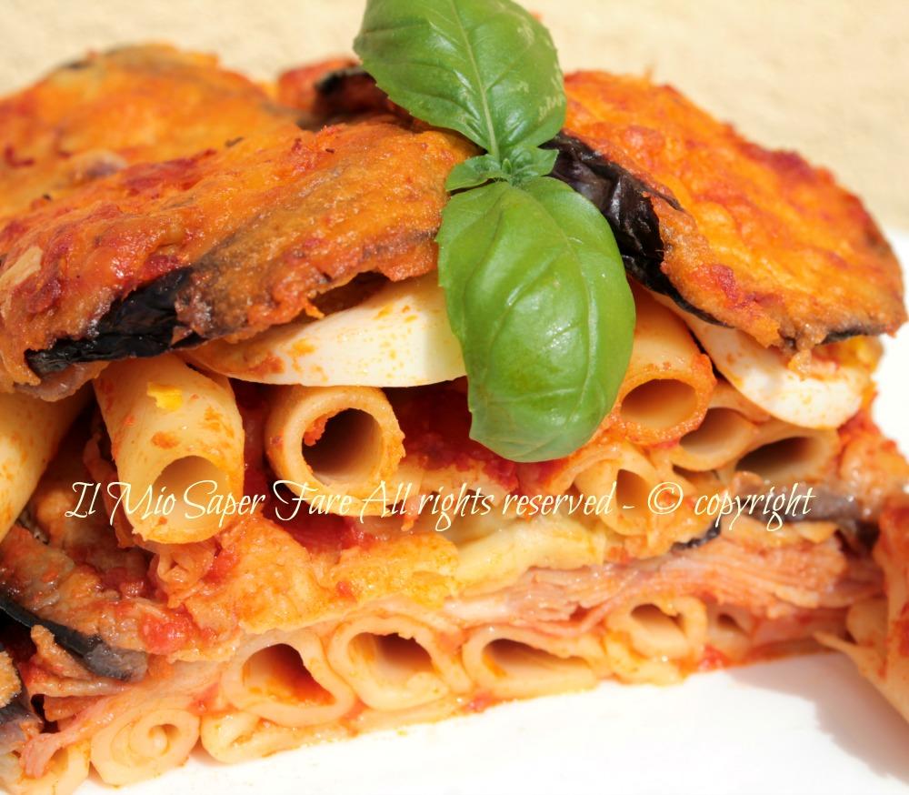 Pasta con Parmigiana di Melanzane | pasta al forno ricetta blog  il mio saper fare