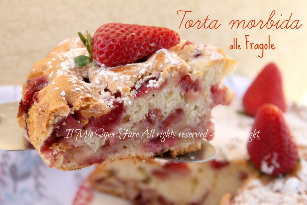 Torta morbida alle fragole e yogurt ricetta facile for Decorazione di torte con fragole