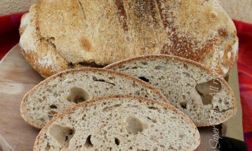 Pane semi integrale fatto in casa con lievito madre