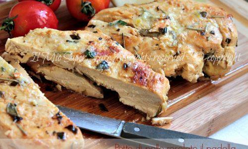 Pollo rosolato in padella aromatico e gustoso