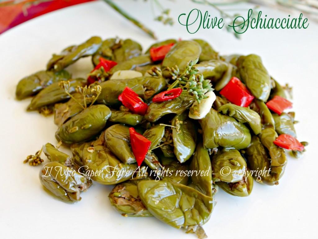 Olive schiacciate sotto olio condite ricetta il mio saper fare