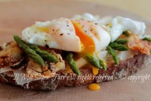 Uova in camicia o uova affogate cottura perfetta