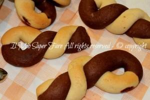 Biscotti bicolori da colazione – Biscotti intrecciati da inzuppo