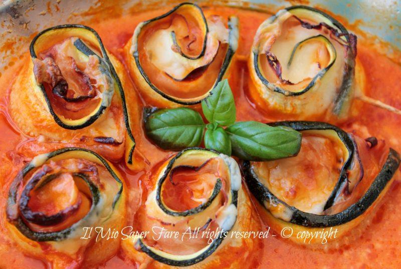 Rotolini di zucchine al sugo e besciamella
