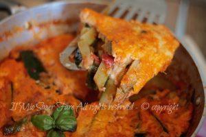 Zucchine alla pizzaiola con uova e formaggio filante