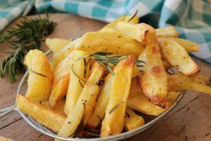 Ricetta patate al forno croccanti fuori e morbide dentro