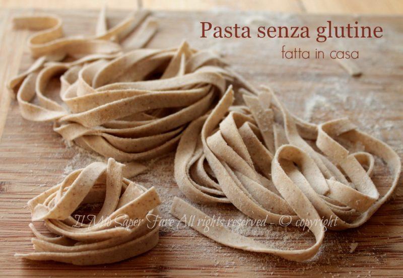 Pasta senza glutine fatta in casa con farina di grano saraceno