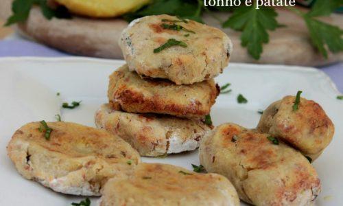Polpette tonno e patate al forno senza uova morbide e gustose