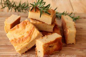 Focaccia di polenta con grano saraceno ricetta senza glutine