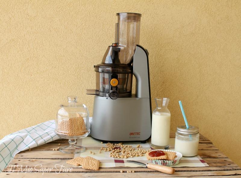 Latte di soia fatto in casa con Estrattore Imetec SuccoVivo il mio saper fare