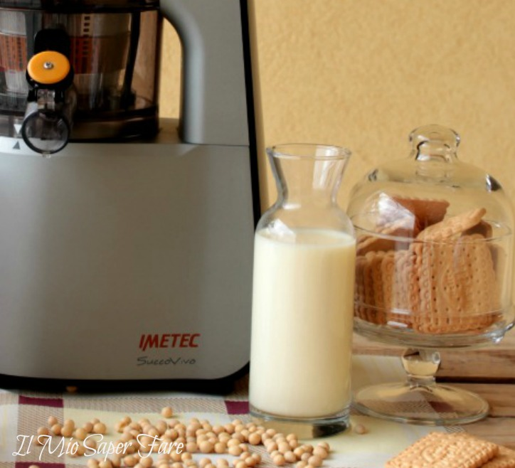 Latte di soia fatto in casa con estrattore imetec succovivo for Estrattore imetec