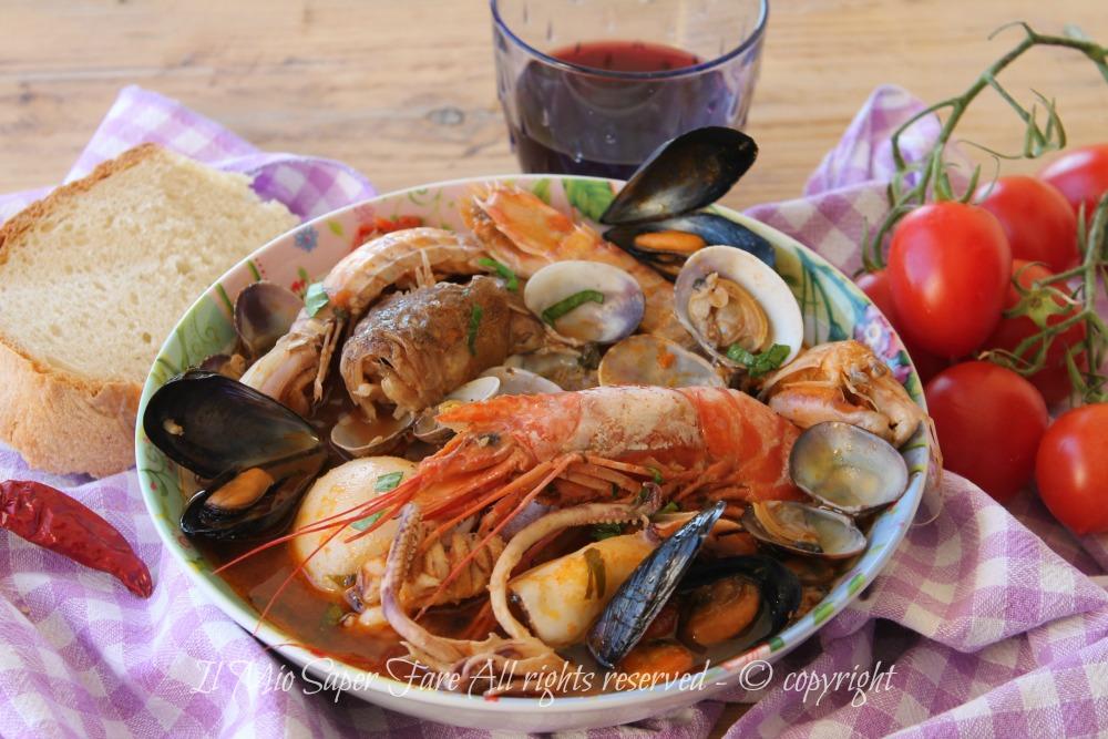 Zuppa di pesce con frutti di mare ricetta facile | Brodetto di pesce il mio saper fare