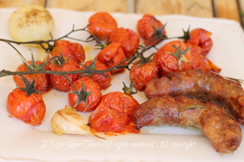 Salsiccia al forno con pomodorini ricetta facile il mio saper fare