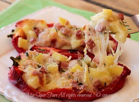 Peperoni ripieni con patate prosciutto e mozzarella