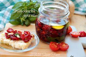 Pomodorini sotto olio essiccati al sole conserva facile