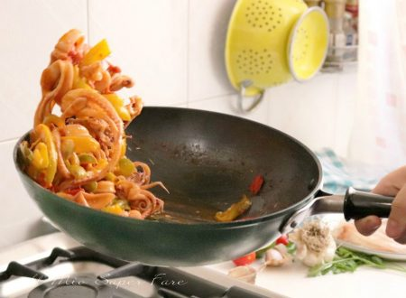 Calamari con peperoni in padella ricetta secondo di pesce facile