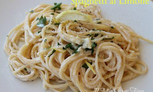 Spaghetti al limone cremosi senza panna – pasta al limone facile