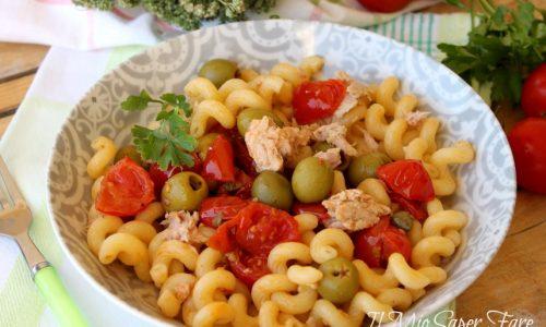 Pasta alla pezzente con tonno e pomodorini primo piatto facile