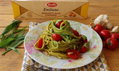 Spaghetti  cremosi con pomodorini e crema di rucola