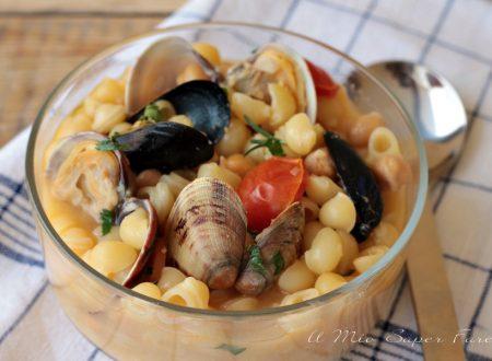 Pasta ceci e frutti di mare cremosa e gustosa