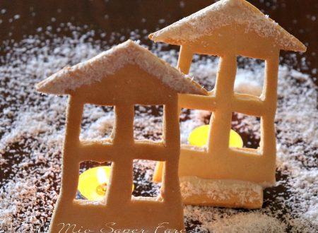 Casetta di pasta frolla segnaposto con candelina