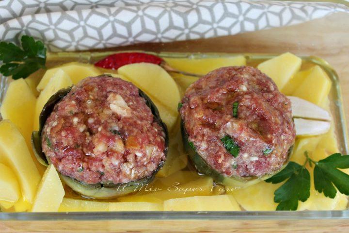 Carciofi ripieni di carne al forno con patate ricetta di Marisa