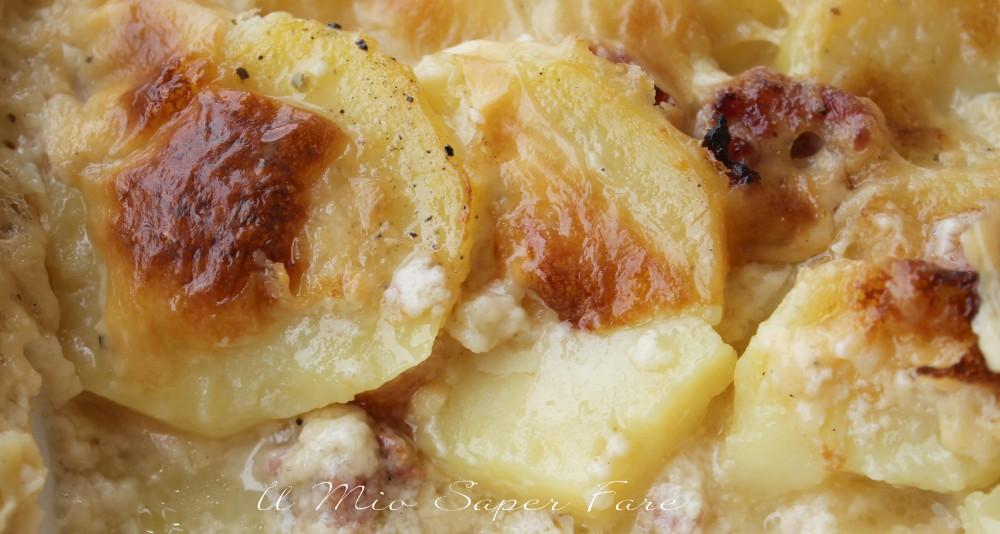 Timballo patate e salsiccia cremoso e gustoso