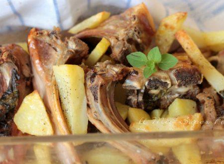 Agnello al forno con patate ricetta pugliese