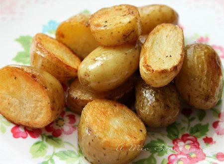 Patate novelle al forno dorate e croccanti