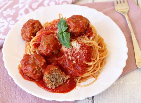 Spaghetti con le polpette – Spaghetti with meatballs