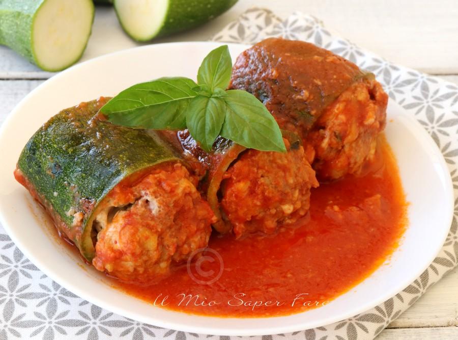 Ricetta Zucchine Ripiene Di Carne Al Sugo.Zucchine Ripiene Al Sugo Morbide E Gustose Ricetta Facile