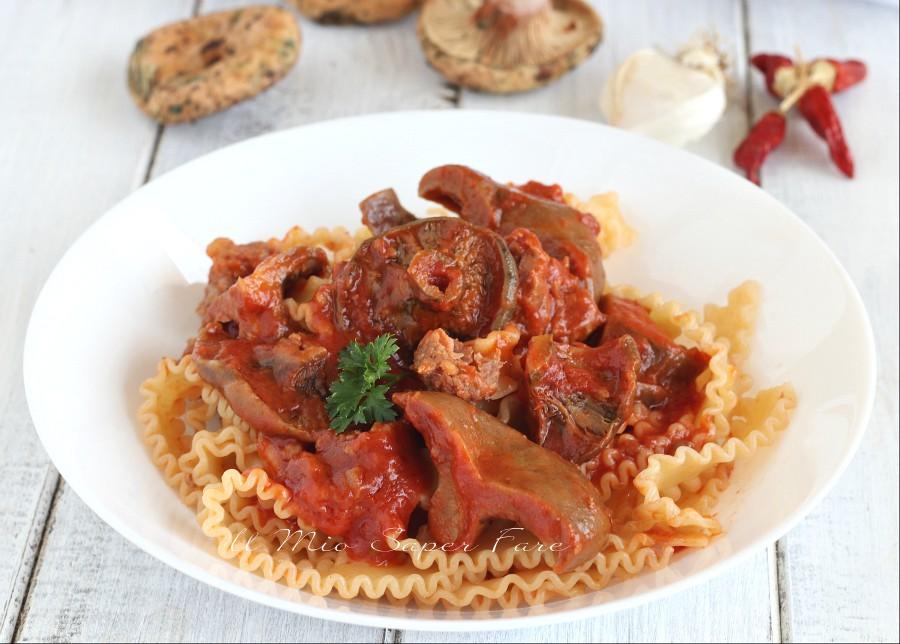 Pasta funghi e salsiccia al sugo ricetta il mio saper fare