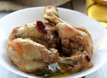 Pollo alla birra in padella morbido e succoso