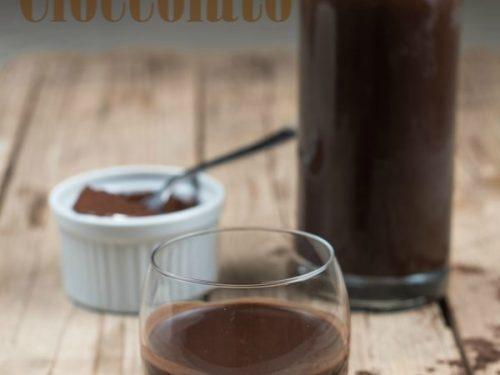 Liquore al cioccolato ricetta con cacao e panna