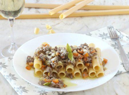 Candele alla Genovese ricetta pasta al ragù in bianco